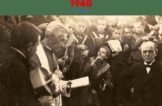 """Na data em que se comemorava o centenário do nascimento do Monsenhor Dr. Francisco de Paula Rodrigues, o """"Padre Chico"""", que deu nome ao Instituto, seus restos mortais foram transladados para a nossa Capela de Sant'Ana."""